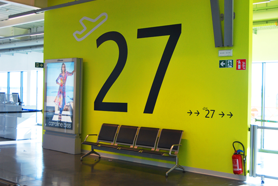 Publisign_Airport_charleroi_signage_3